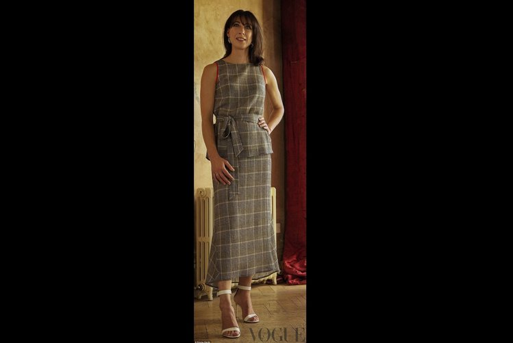 前英國第一夫人莎曼姍卡麥隆轉任服裝設計師,推出自創品牌Cefinn。圖/擷自VO...