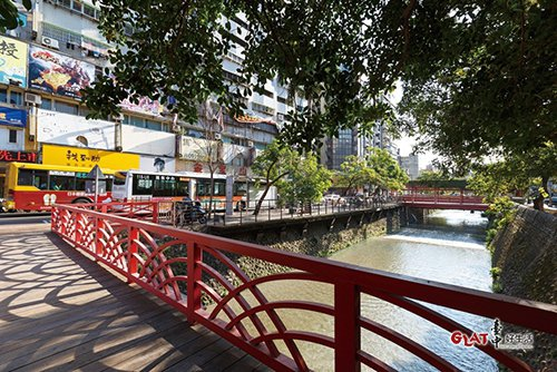 市府要透過水質改善三部曲,營造親水的水岸廊道,再現綠川榮景。