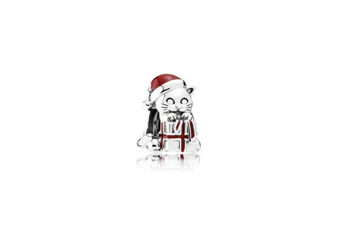 PANDORA淘氣耶誕小貓925銀串飾,1,780元。圖/PANDORA提供