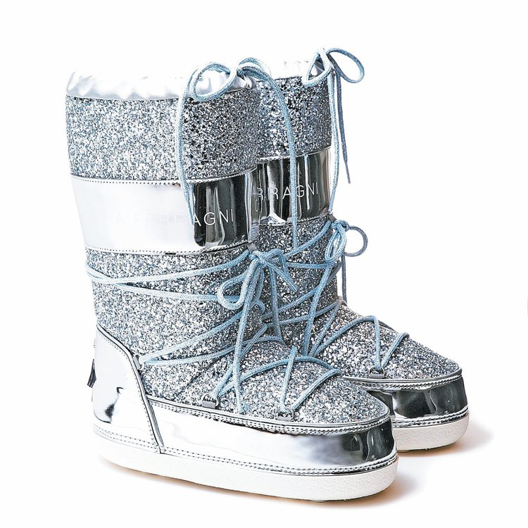 Chiara ferragni 銀色運動雪靴, 13,800元, 充滿節慶氣...