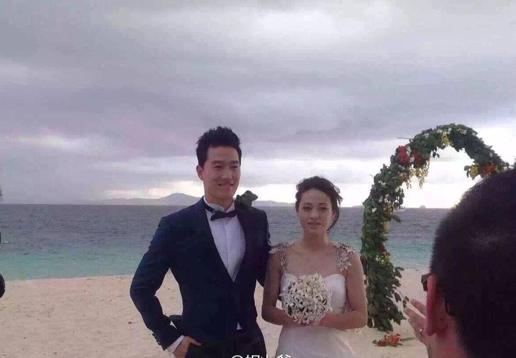 劉翔(左)和吳莎(右)。(取材自微博) 蘇妍鳳