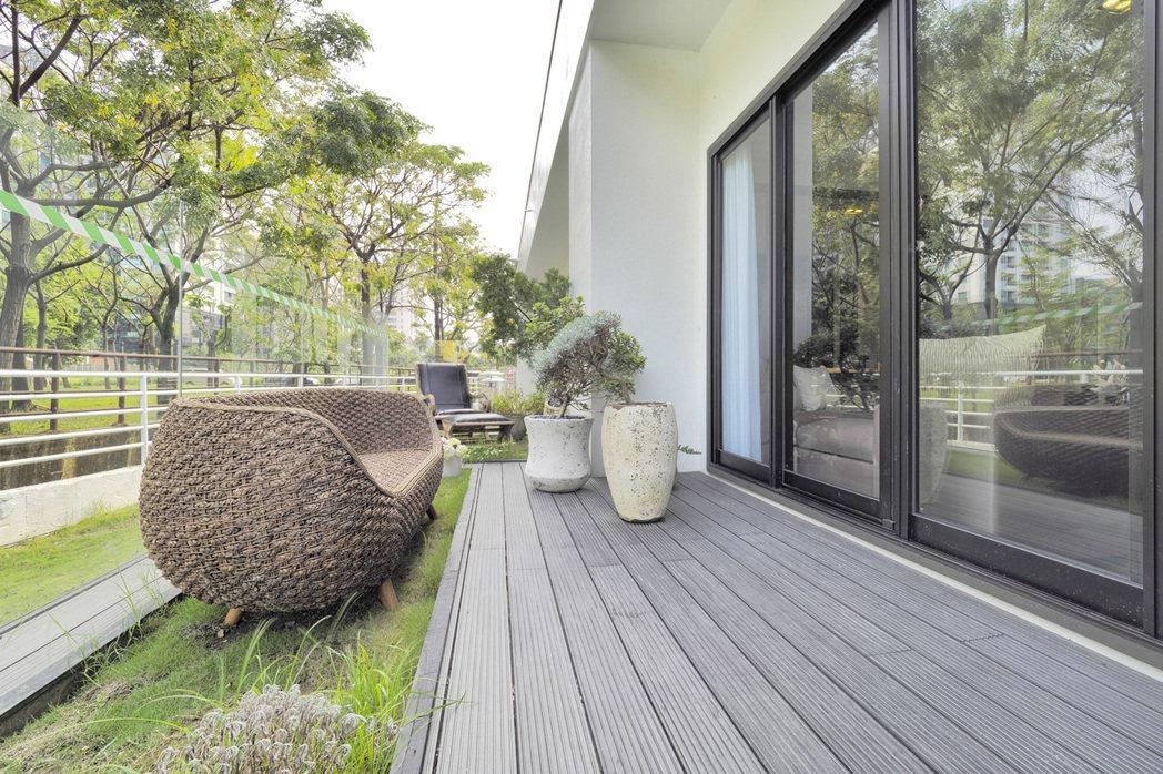 3公尺深陽台,有綠建築概念。 攝影/張世雅