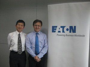 左為伊頓工程卓越管理中心經理簡明德;右為伊頓三相產品開發經理蘇崇毅。