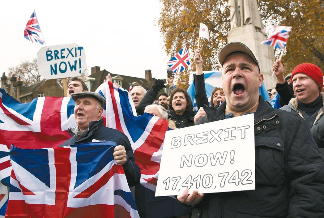 英國脫歐支持者呼籲政府即刻啟動脫歐程序。 歐新社