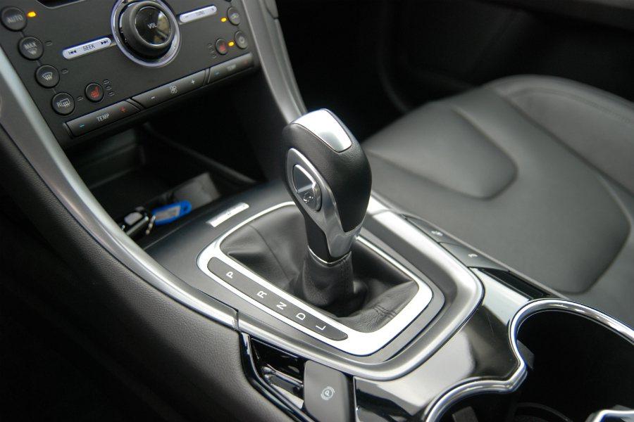 Mondeo Hybrid 採用 E-CVT 電子控制無段變速箱。 記者林鼎智/攝影