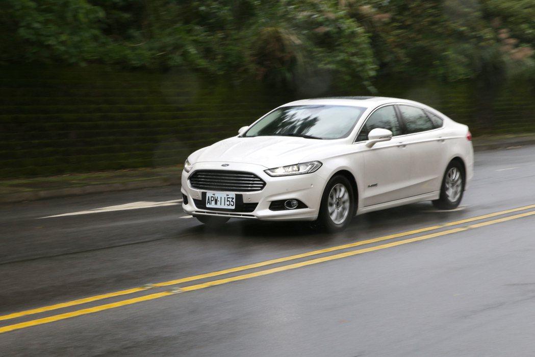 Ford Mondeo Hybrid因為銷售表現不佳,已經正式在台停售。 記者蘇...