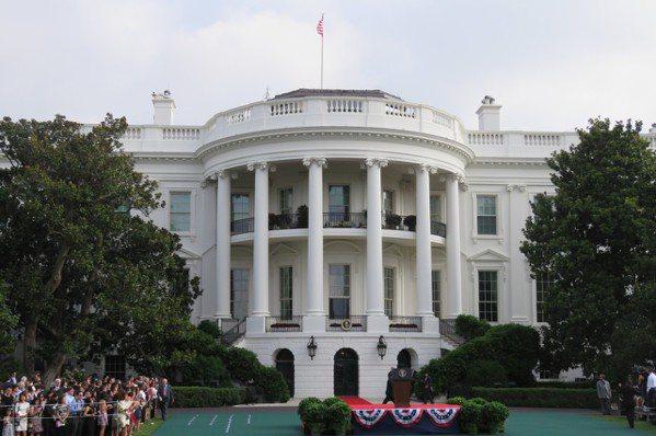川普與蔡英文通話 白宮重申「一中政策」