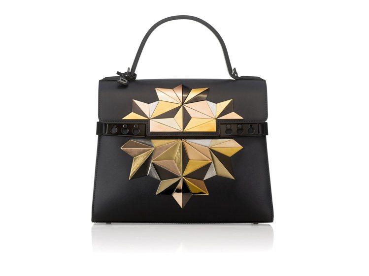 Tempete星塵系列手工三色金屬裝飾中型手提包,356,000元。圖/DELV...