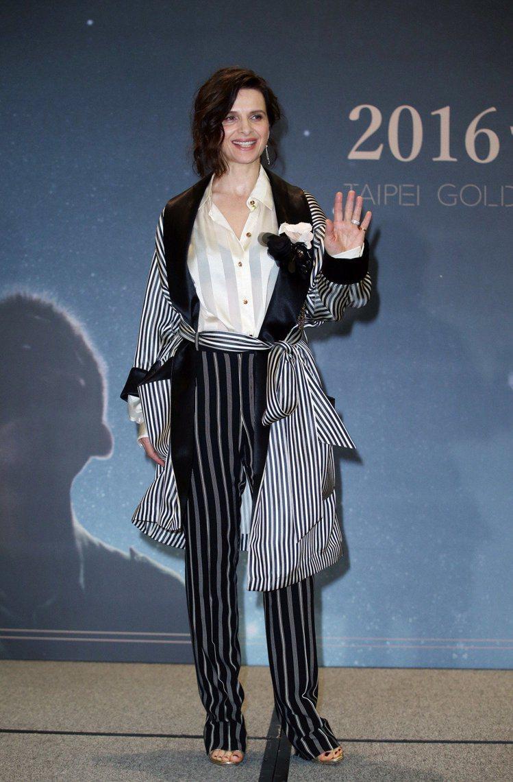 茱麗葉畢諾許在金馬獎前記者會穿上LANVIN西裝,慵懶浪漫也具都會感。記者陳瑞源...