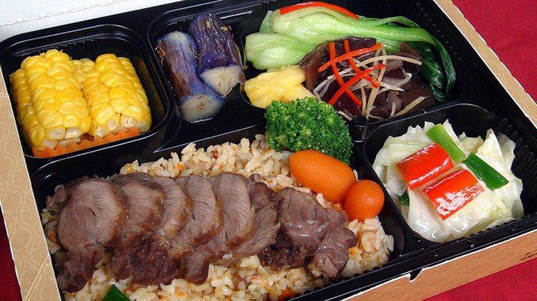 中醫師指出,吃飯若無法保持愉快心情,恐影響消化功能。 圖/報系資料照