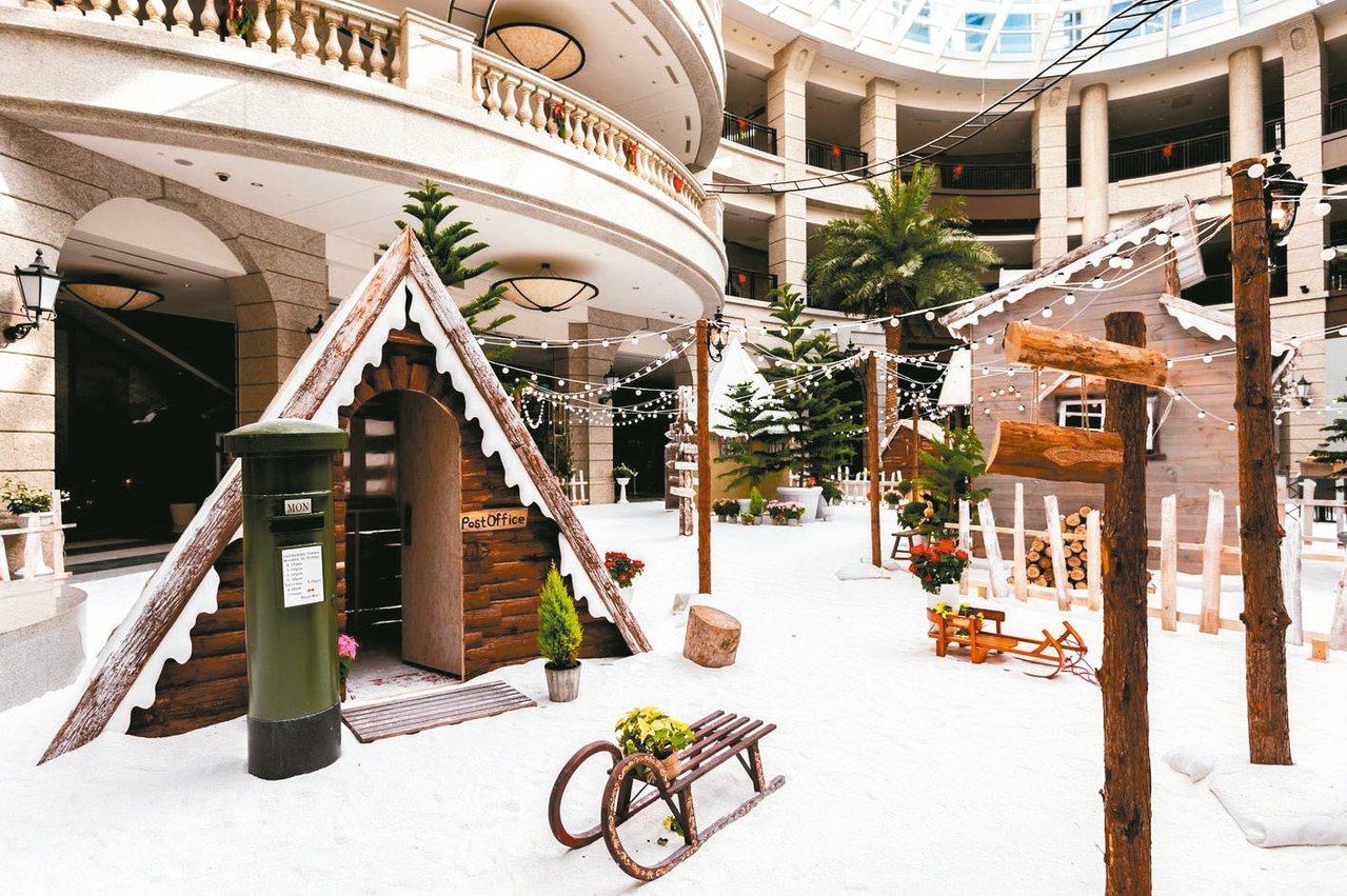 寶麗廣場今年特別將中庭打造成有如芬蘭聖誕老人村的小鎮。 圖/寶麗廣場提供