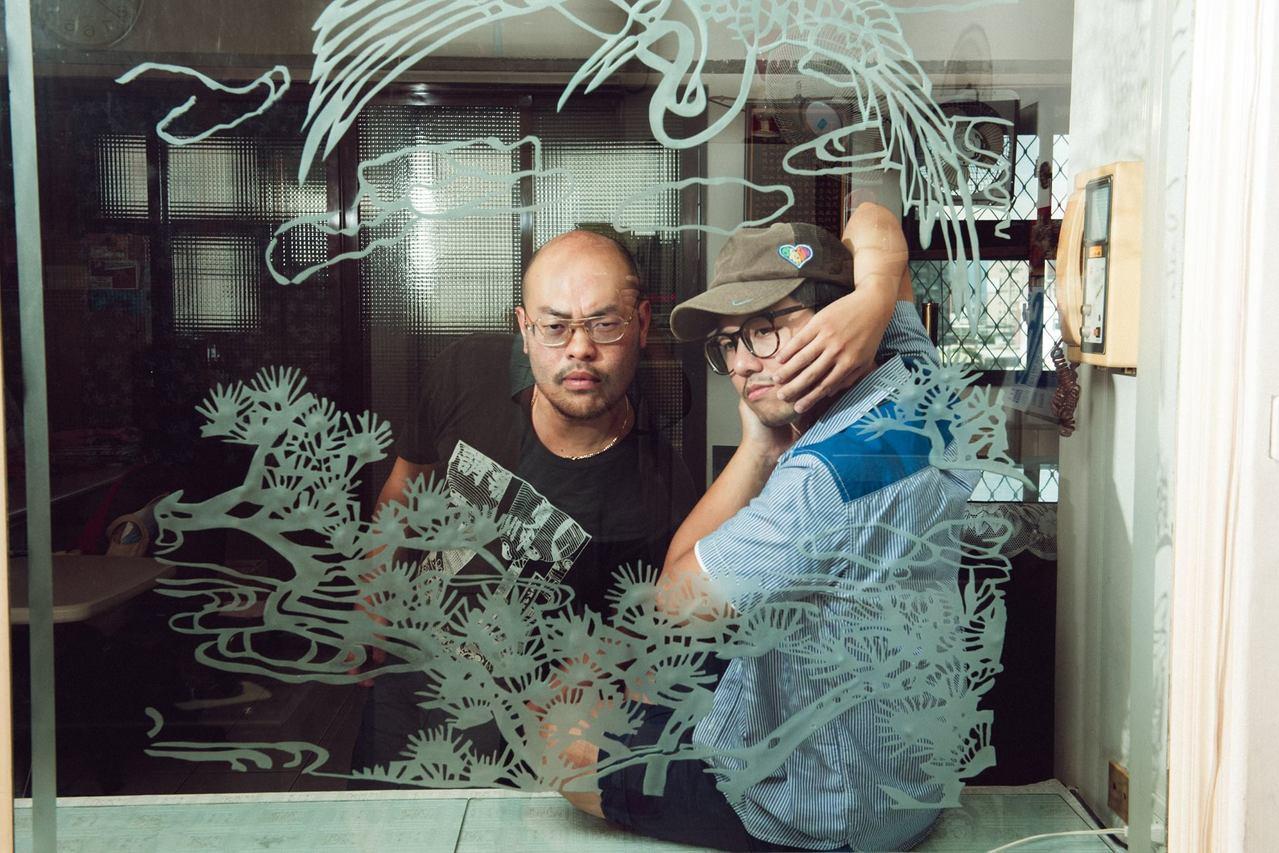 圖二:攝影師:陳藝堂+採訪撰文:陳夏民=「藝夏男孩」(轉自群星文化紛絲頁)
