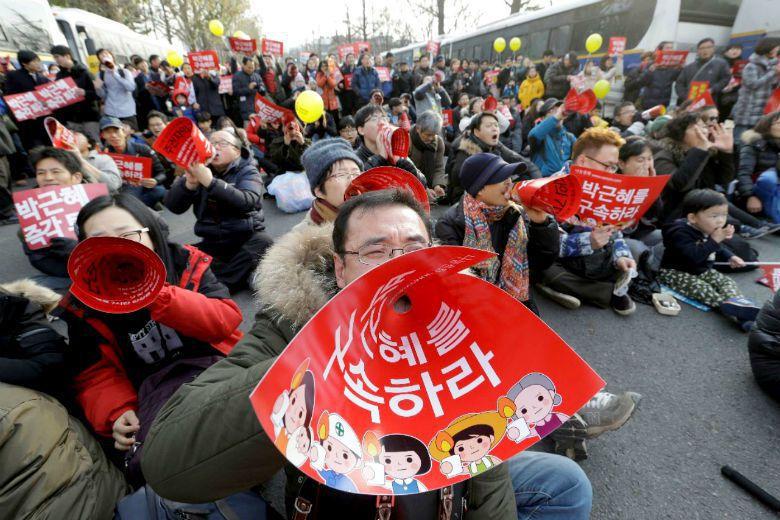 朴槿惠恐怕搞錯了!此刻國家、憲法、民主化最大的危機,是她! 圖/美聯社