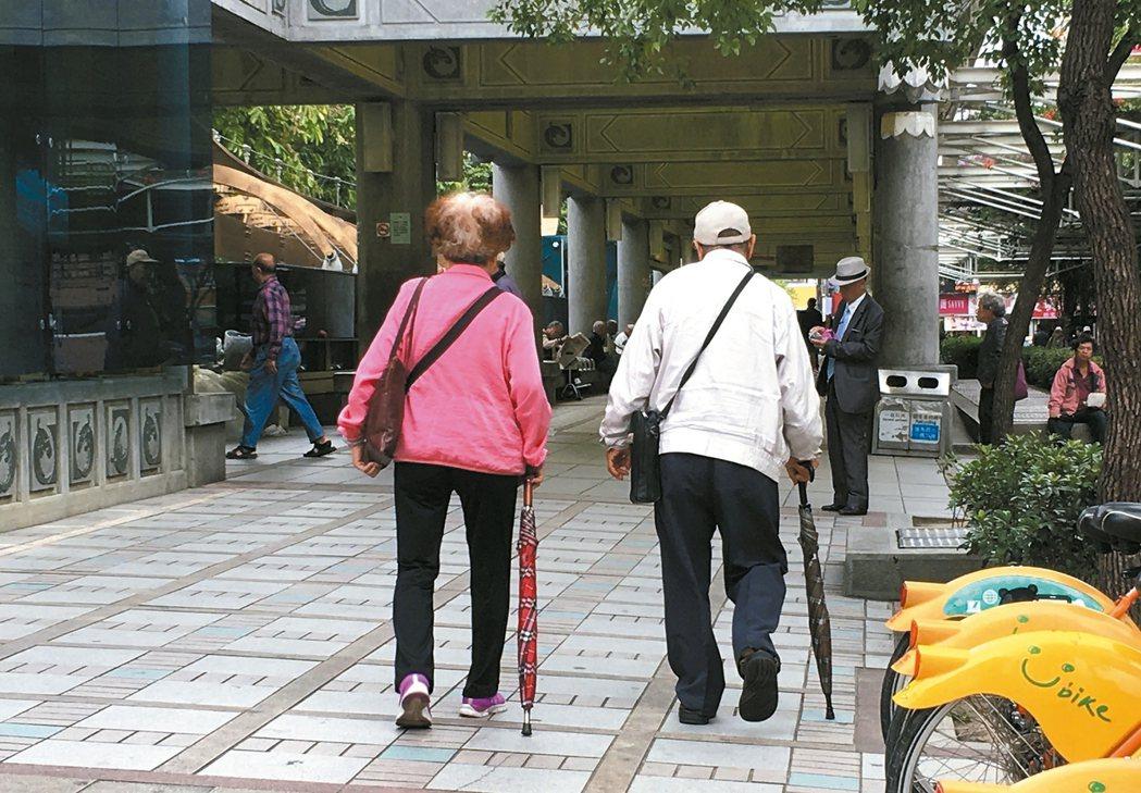 老年人易罹肌少症。 記者江慧珺/攝影