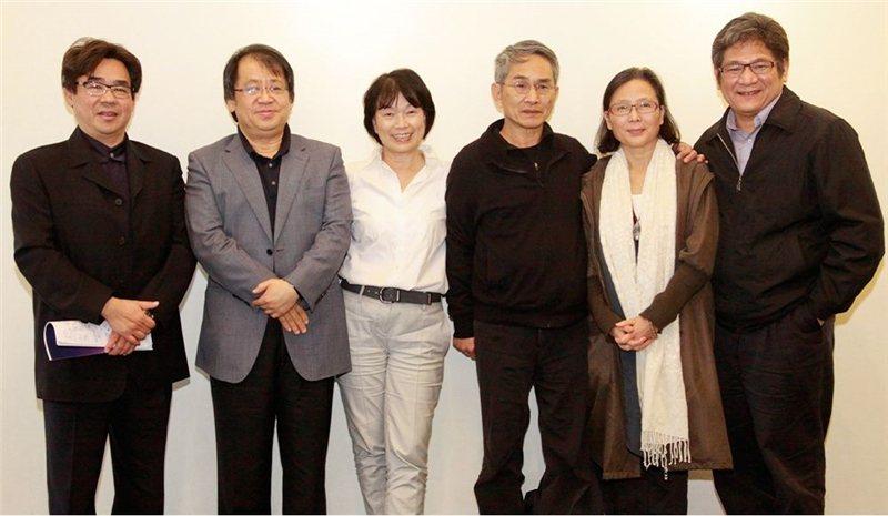 在這個「民主」時代,是否存在另一種與過往不同的文化審查?「台灣品牌團隊計畫」恰恰反應出產官學合謀的密室文化政治。圖為2013年計畫獲獎團隊。 圖/文化部提供