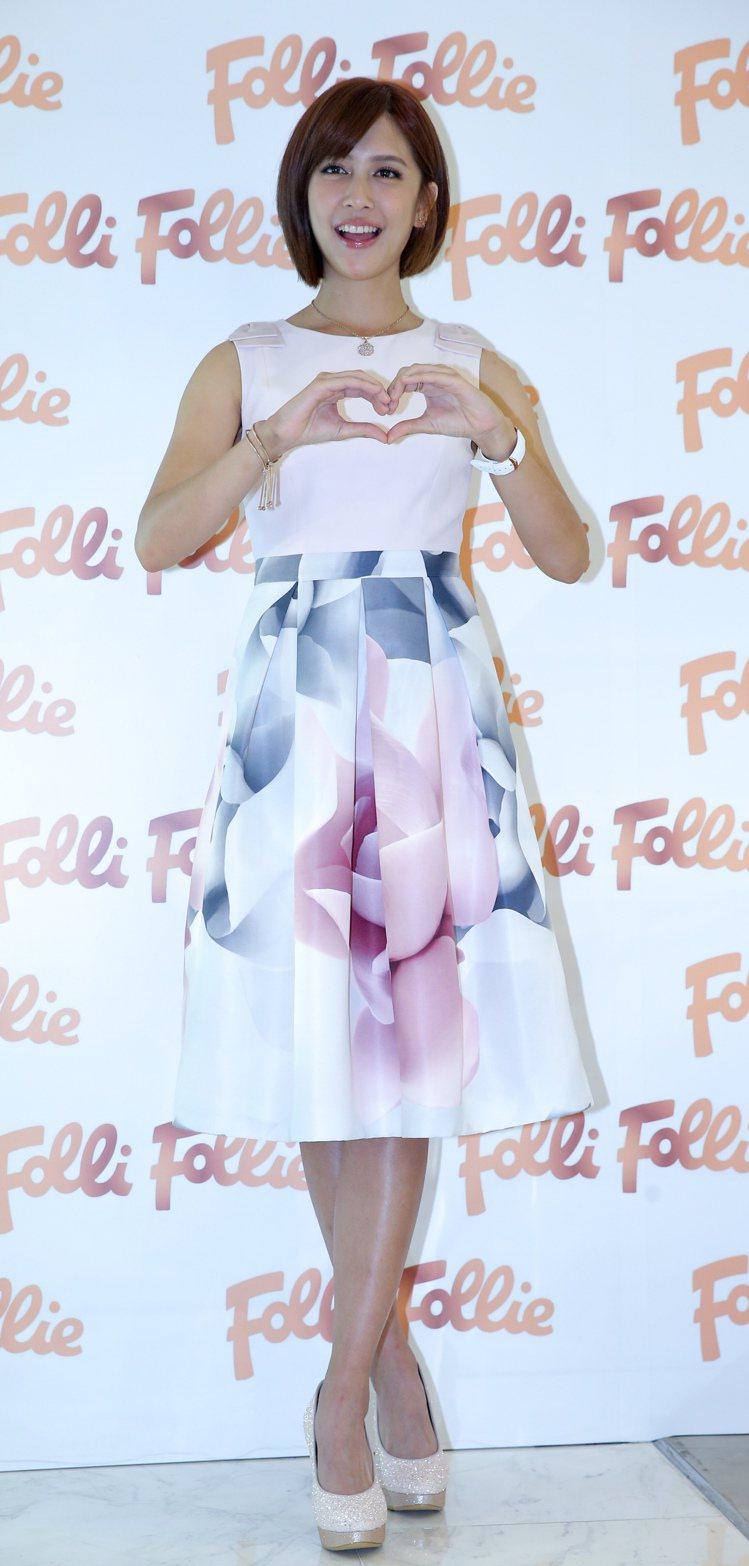 劉奕兒出席Folli Follie發表會,「真正體驗千金小姐的感覺。」。記者程宜...