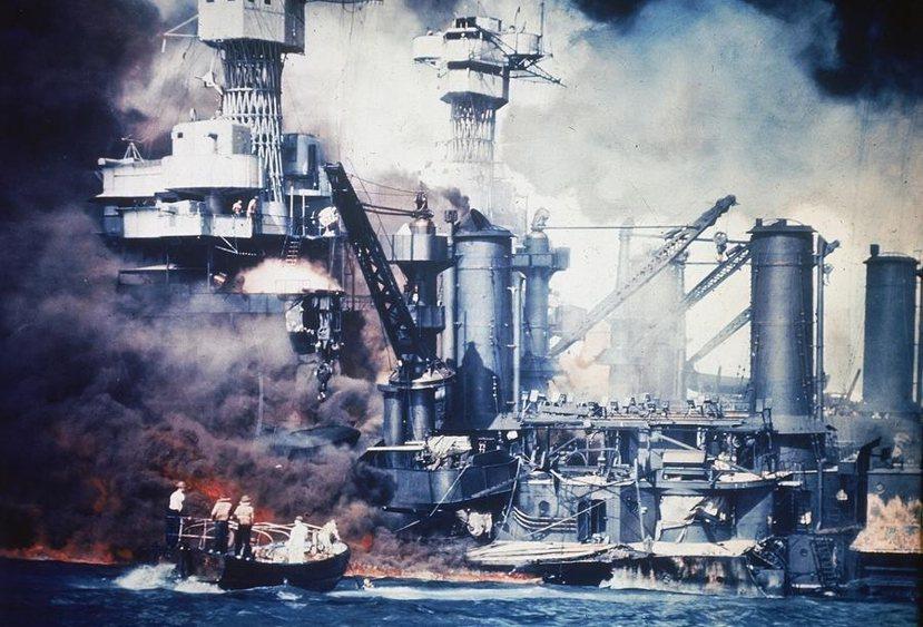 在珍珠港事變中,西維吉尼亞(USS West Virginia)因為停泊在福特島...