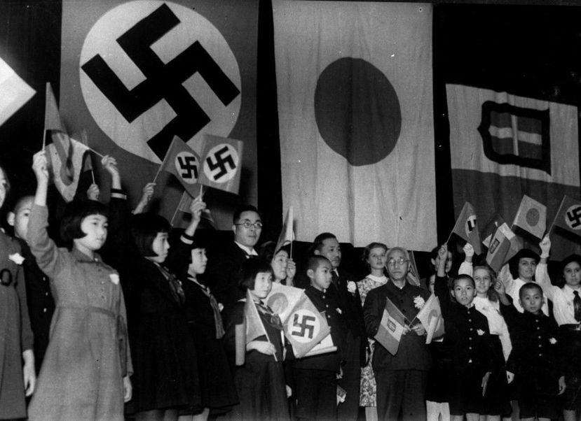 1934年在「艦隊派」的施壓下,日本內閣片面廢棄《華盛頓海軍條約》,爾後日本為了...