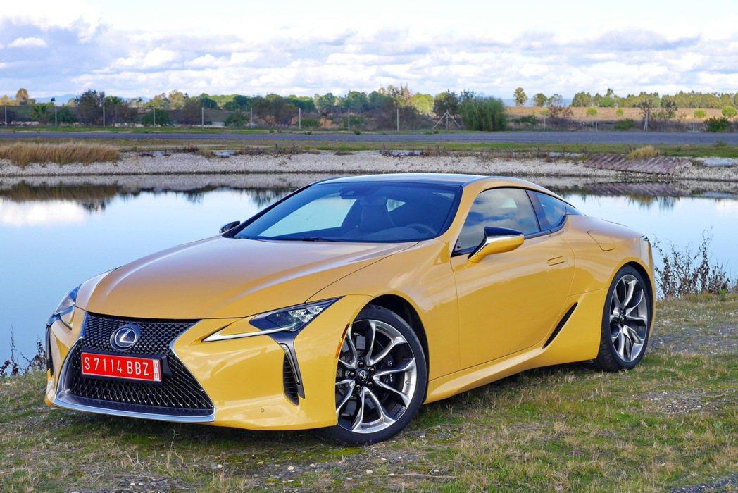 LC 500預計將扮演Lexus品牌新一代豪華雙門跑車的代表。 記者陳威任/攝影