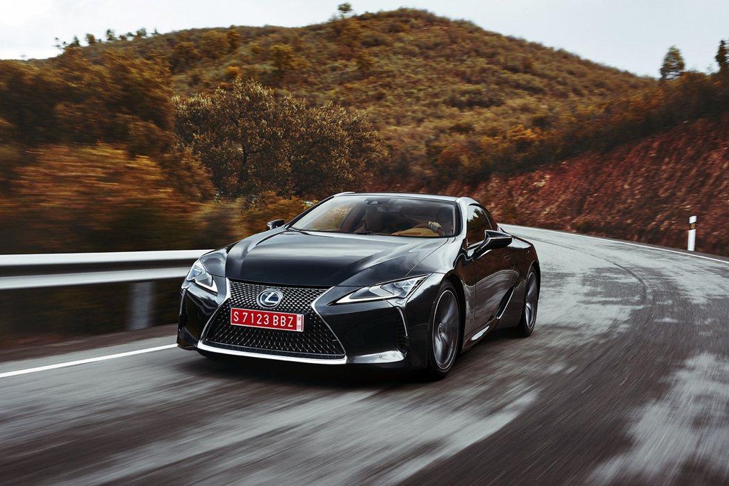 Lexus新世代豪華雙門跑車LC 500。 圖/Lexus提供