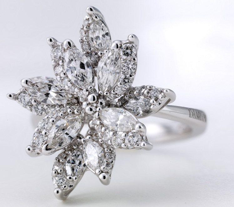 DAMIANI EMOZIONI雪花系列白金鑲全鑽戒指,價格電洽。圖/DAMIA...