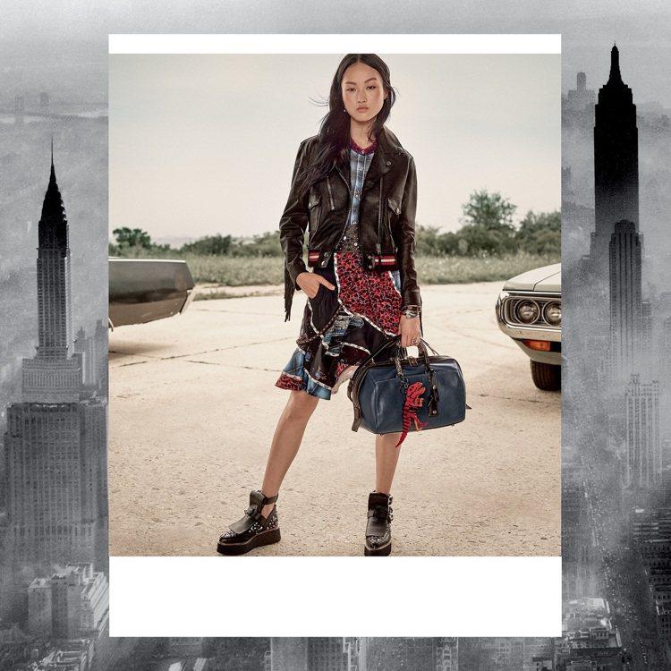 各式拼接印花是2017早春系列的衣裝風格。圖/COACH提供