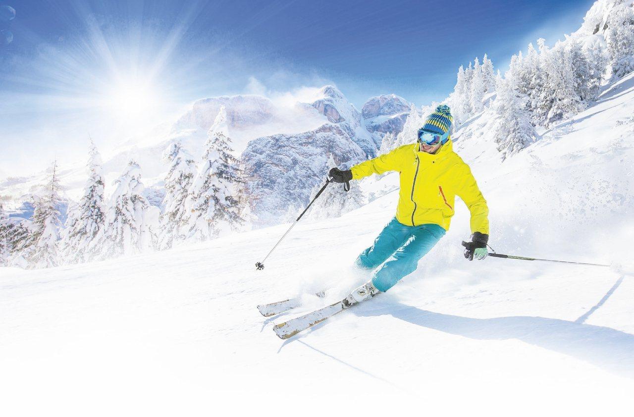 志賀高原滑雪,享受大地白茫的北國美景。 圖/易遊網提供