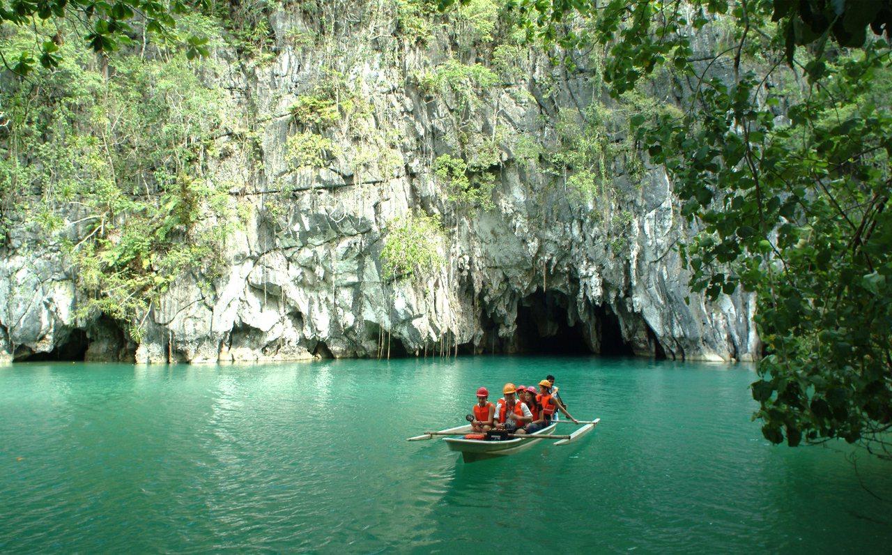 巴拉望的地底河流,被列為世界新七大自然奇景。圖/品冠旅遊提供