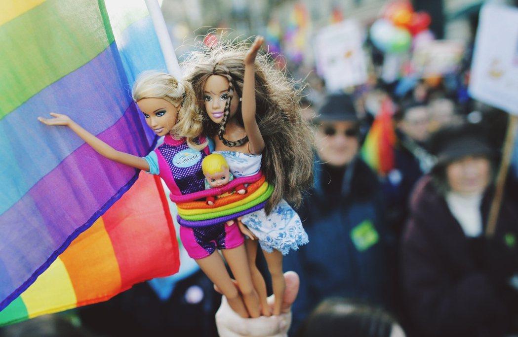 於情、於法、於理,爭取婚姻平權也因此不再只是「關於兩人之間」的權利。 圖/路透社