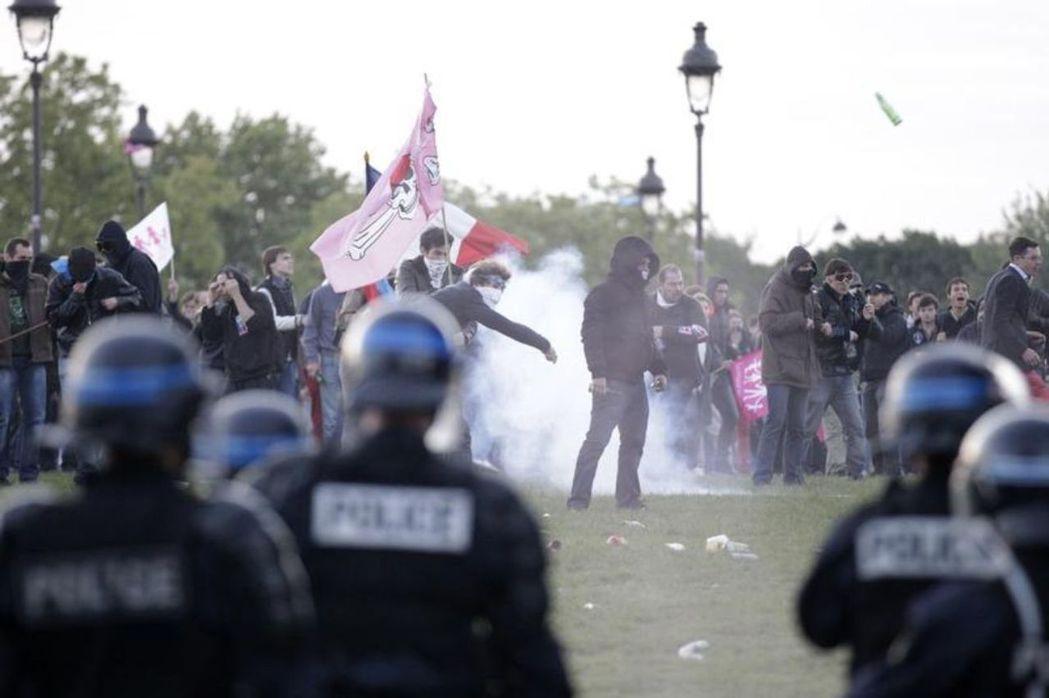 法國護家盟的激進化,也讓許多初始成員紛紛出走。 圖/路透社