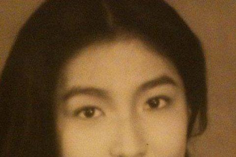 楊謹華最近接受TVBS「看板人物」的訪問,還曝光多張她少女時代的舊照,她還自認「從小就不是個美人」,「被男生喜歡也輪不到我 只能在旁邊乾瞪眼⋯發呆⋯」,不過她坦承小時候會「一直幻想自己是⋯王祖賢~祖...