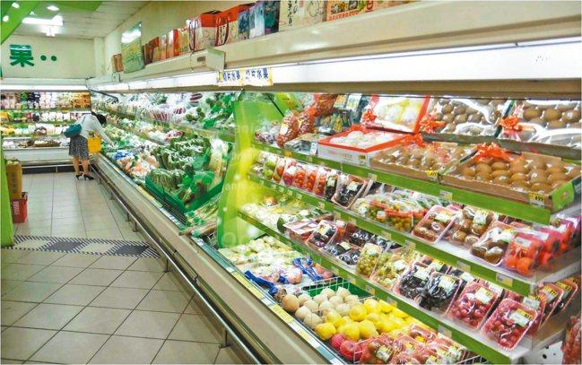 圖/宜蘭縣環保局提供 籌設「物資捐贈平台」與家樂福、全聯、頂好等超市合作。