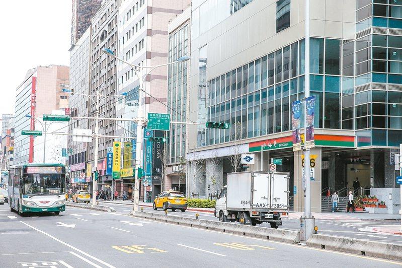 中山捷運站享有雙線交會的優勢。 記者程宜華/攝影