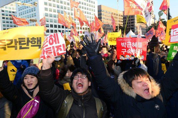 彈劾過關 朴槿惠復職機率低