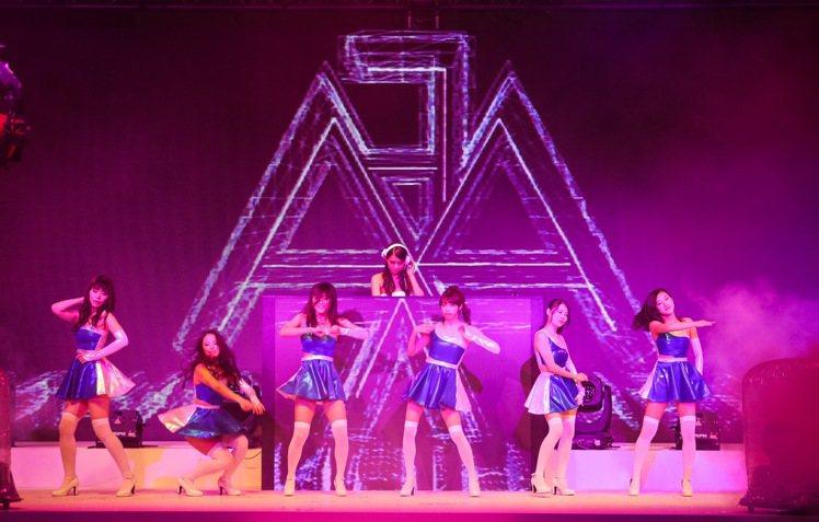 Asia Fashion Award亞洲時尚大賞昨天在台北W飯店舉行,現場結合電...