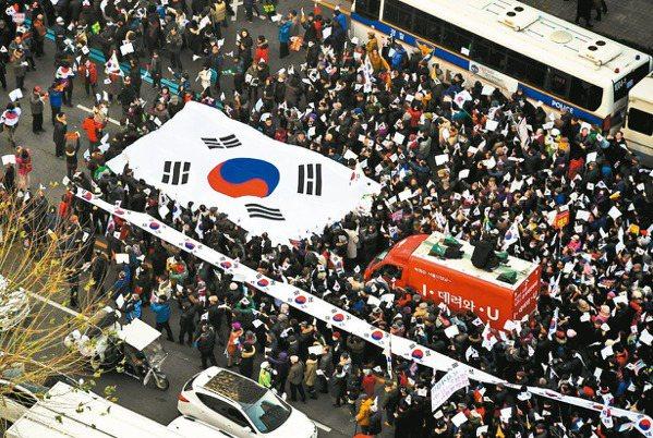 反朴第7周上街 60萬人慶彈劾