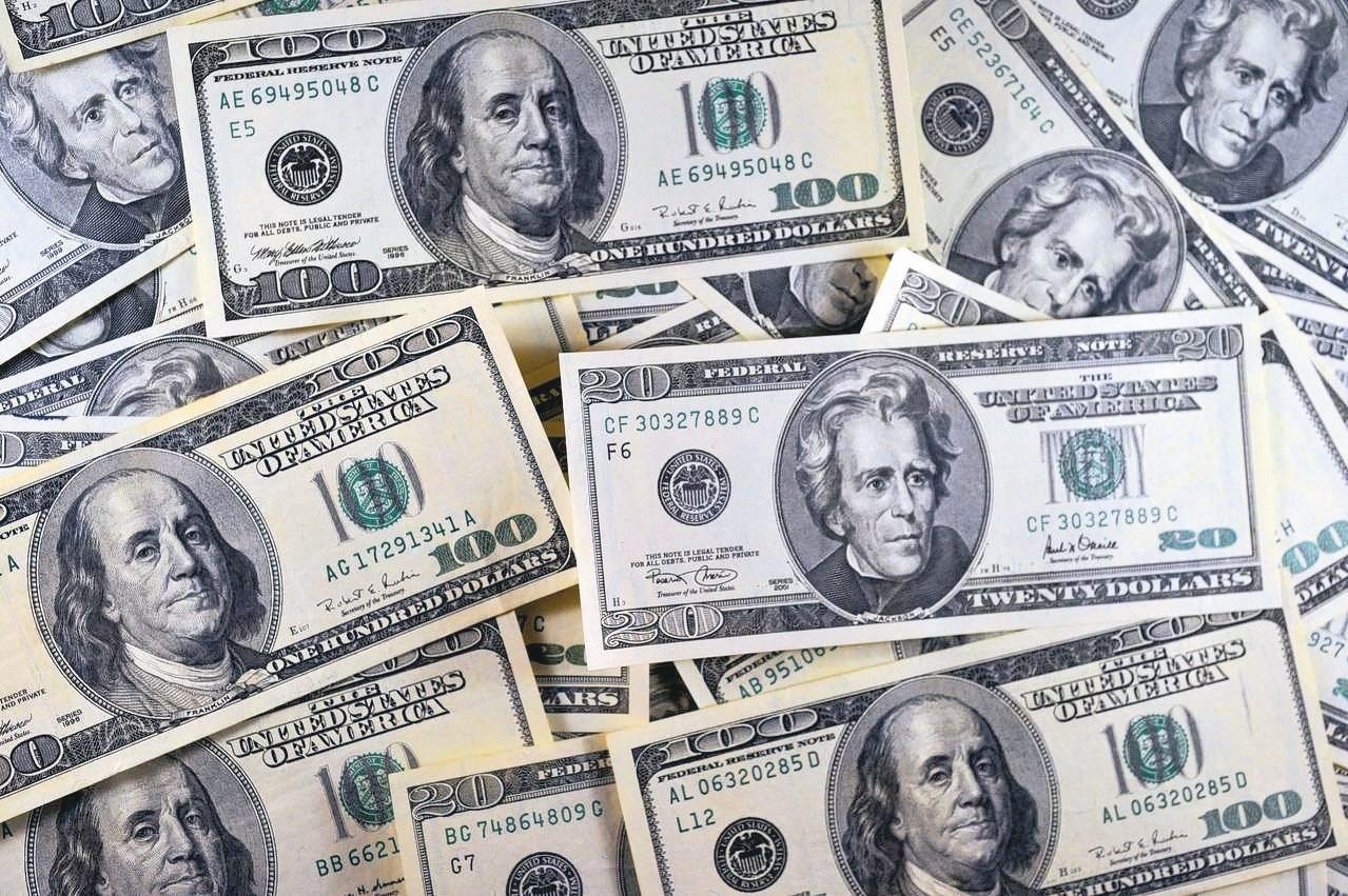Fed升息幾成定局,引動全球資金紛紛向美市靠攏,「美升息受惠股」逐漸成為市場熱議...