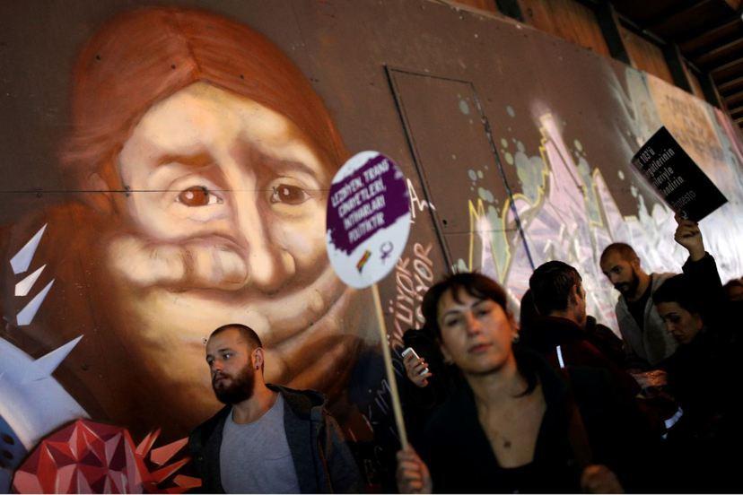 近來土耳其社會對於兒童性侵、性騷擾案件的反應,較以往更為激烈。圖為11月22日在...