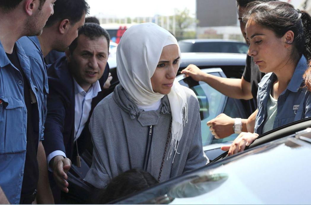土耳其總統厄多安的女兒蘇美耶反擊,憂心孩童在成人的壓力之下可能難以清楚表達「是否...