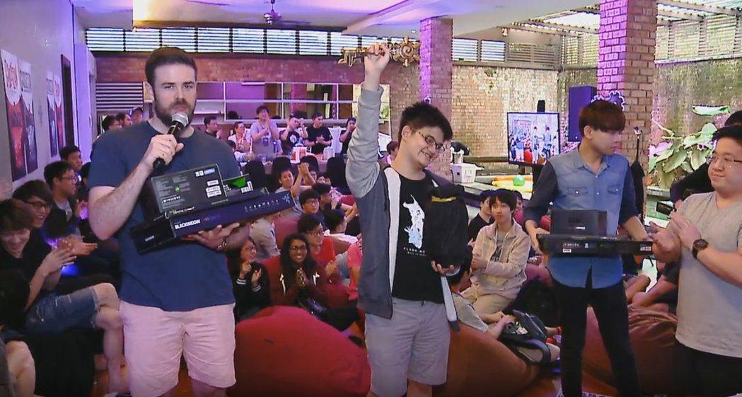 閃電狼選手tom60229奪下了他的國際賽第三冠。