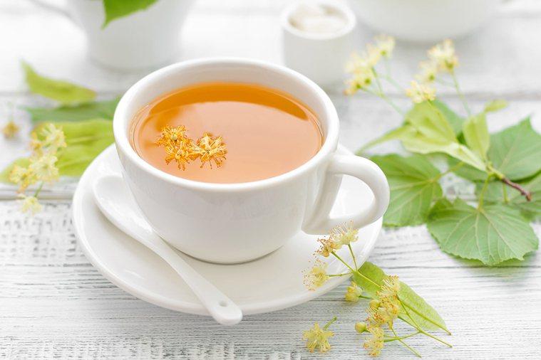 進食後喝綠茶可能有助於掩蓋強烈的氣味。 圖片/ingimage