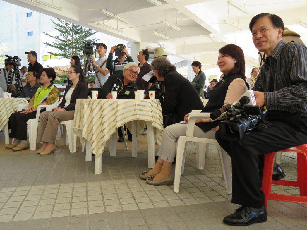 2016年第14屆台灣咖啡節記者會,今天由雲林縣長李進勇(右4)、副縣長張皇珍(...