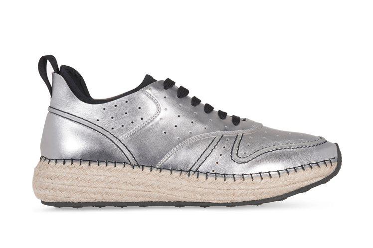 草編皮革運動鞋,售價27,200元。圖/TODS提供