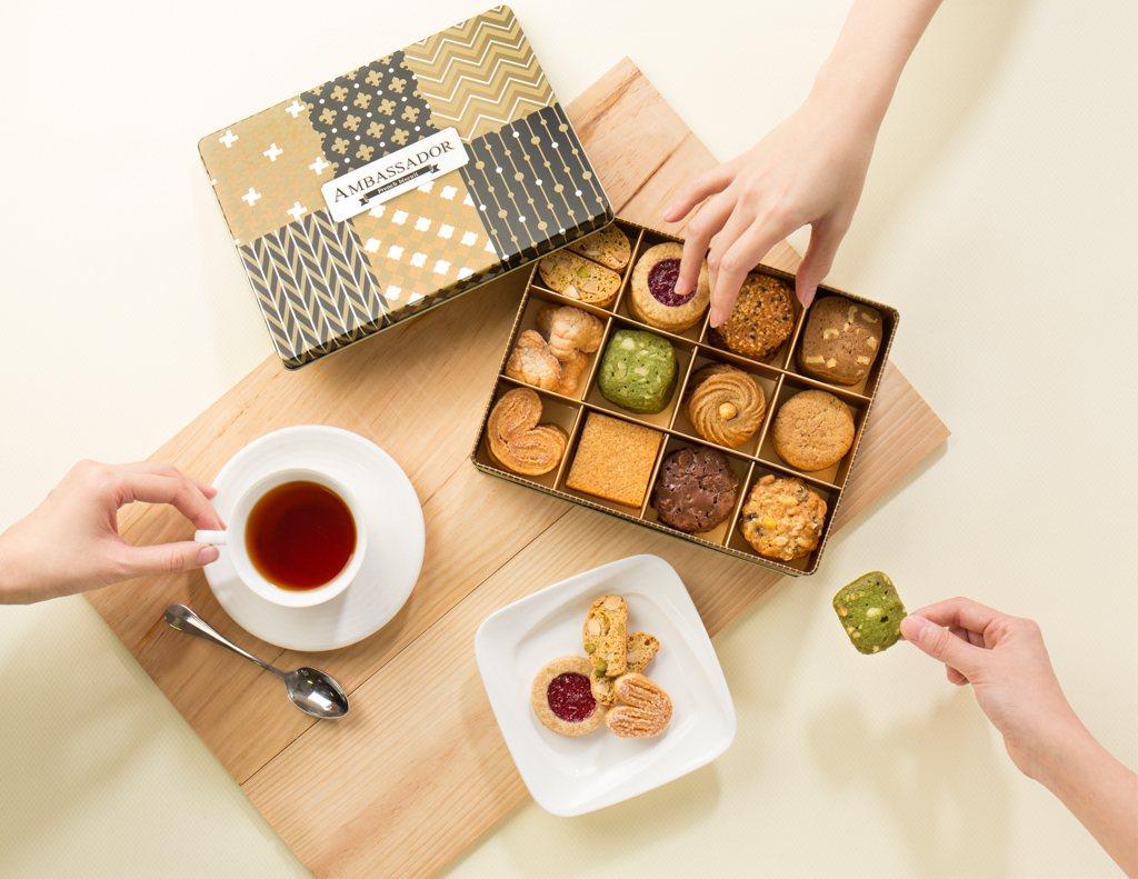 台北國賓繽紛蛋糕房推出手工餅乾禮盒,售價680元,12月耶誕促銷價650元,大量...