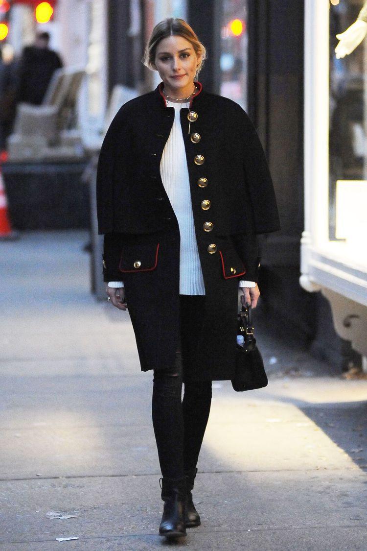 奧莉維亞巴勒莫以BURBERRY外套搭襯紐約的冬季。圖/BURBERRY提供