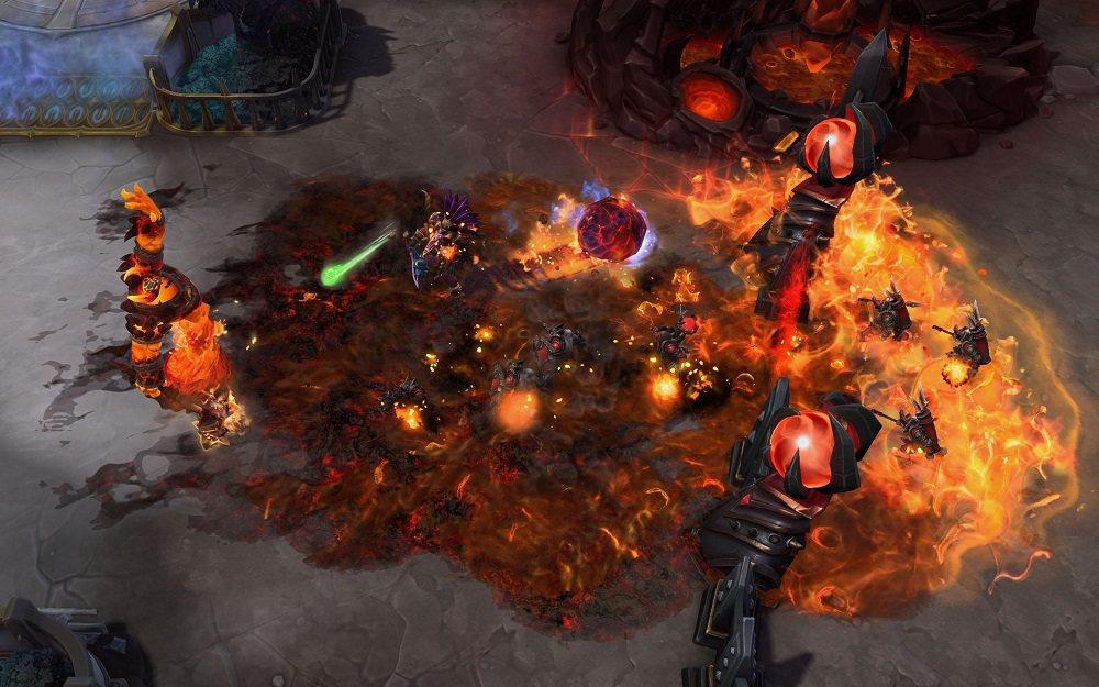 拉格納羅斯將用火焰將萬象界域燒成灰燼。