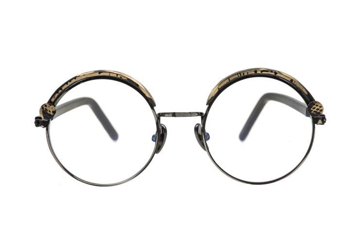 KUBORAUM Z1復古銅色金屬飾邊平光眼鏡,16,000元。圖/KUBORA...