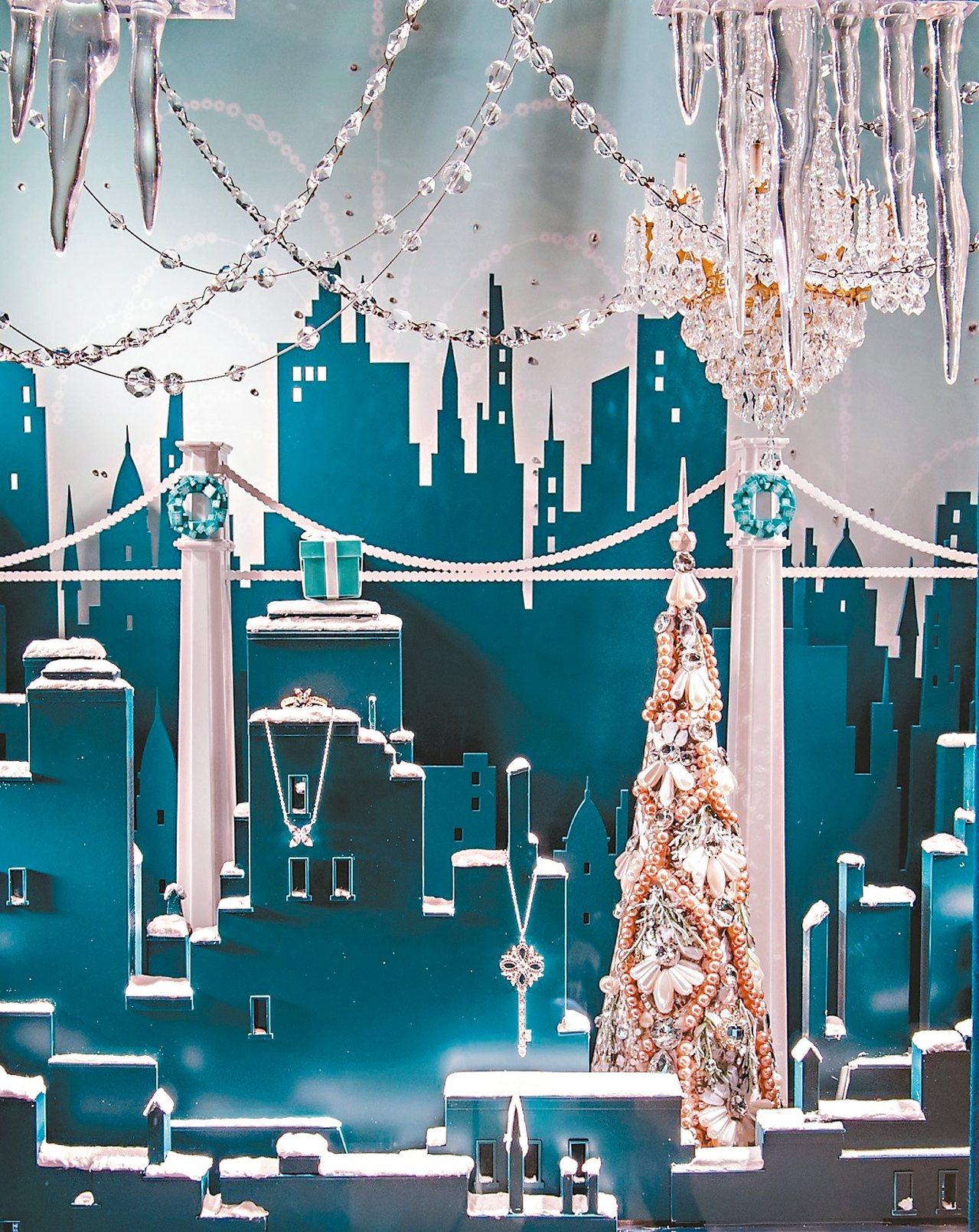 Tiffany耶誕櫥窗以白雪皚皚的城市剪影為特色。 圖/業者提供