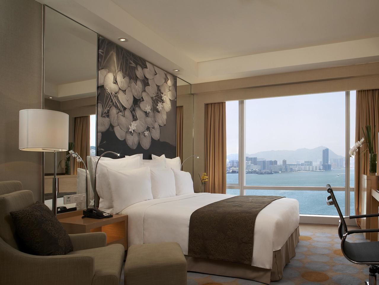 香港萬麗海景酒店跨年住宿每晚2.3萬起跳。圖/天擎旅行社提供