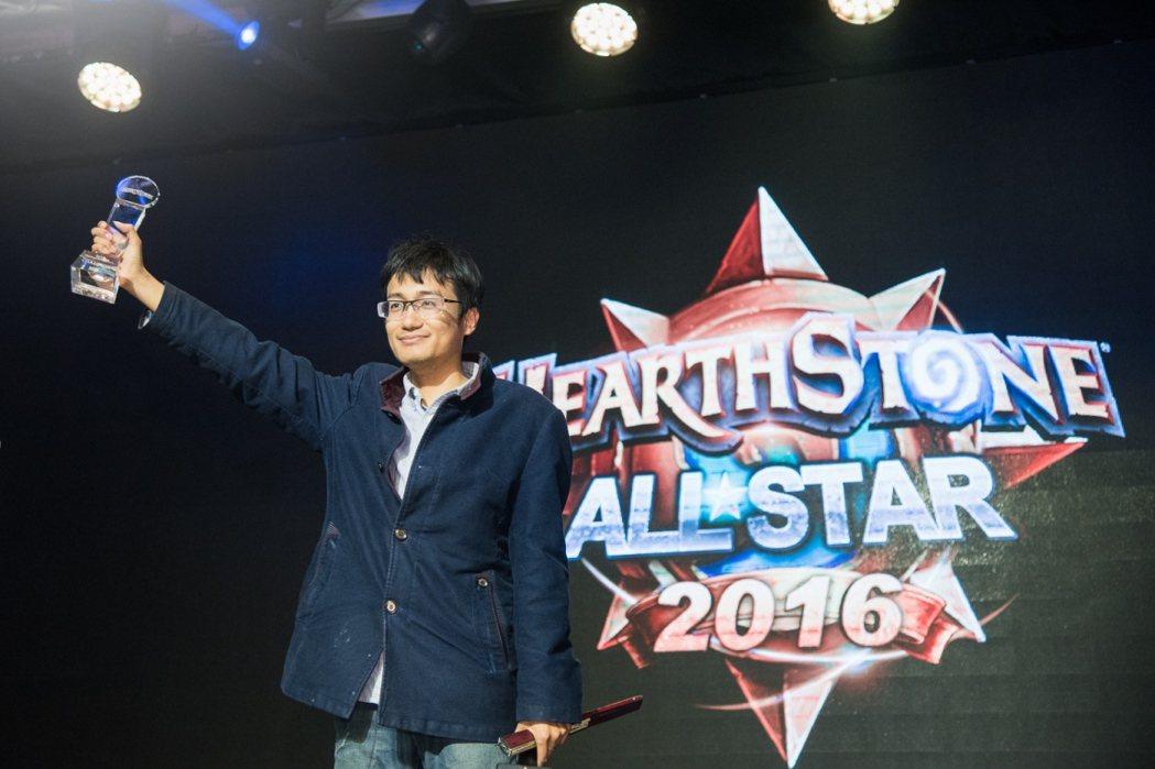 中國選手Jasonzhou自16位選手中脫穎而出,奪得「2016爐石戰記全明星賽...